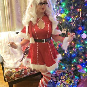 California Costumes Mrs Claus